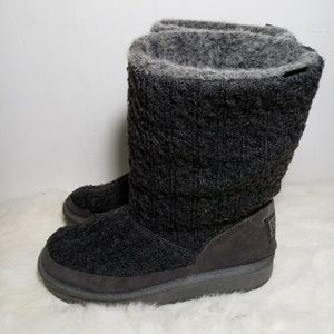 SKECHERS winter knit boots.
